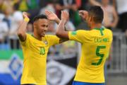 【世界盃16強-巴西挫墨西哥2:0】尼馬(左)(法新社)