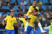 【世界盃‧巴西挫塞爾維亞2:0】尼馬 (右上) (法新社)