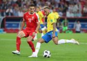【世界盃‧巴西挫塞爾維亞2:0】尼馬 (右) (新華社)