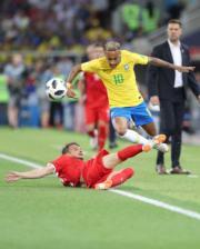 【世界盃‧巴西挫塞爾維亞2:0】尼馬 (穿10號球衣) (新華社)