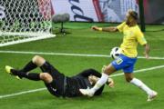 【世界盃‧巴西挫塞爾維亞2:0】尼馬 (右) (法新社)