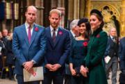 2018年11月11日,英國王室成員在倫敦出席第一次世界大戰結束100年的紀念儀式。左起:威廉王子、哈里王子、梅根和凱特。(法新社)