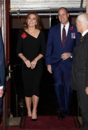 英國劍橋公爵威廉王子(左二)與夫人凱特(左一)(法新社)