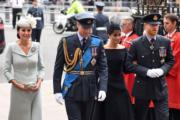 2018年7月10日,英國王室成員出席皇家空軍百周年活動。左起:凱特、威廉王子、梅根和哈里王子(法新社)