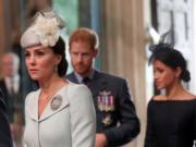 英國劍橋公爵夫人凱特(前)、英國薩塞克斯公爵夫人(後右)(法新社)