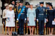 左起:康沃爾公爵夫人卡米拉、英國劍橋公爵伉儷威廉王子和凱特、英國薩塞克斯公爵伉儷哈里王子和梅根(法新社)