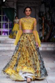 2018印度時裝周- Anju Modi 的設計(法新社)