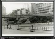 彌敦道,攝於1976-1980年。圖右可見循道中學。(香港政府檔案處網站截圖)