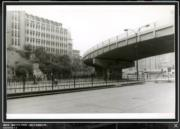 彌敦道,攝於1976-1980年。圖左可見循道中學。(香港政府檔案處網站截圖)