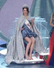 陳曉華大熱當選,成為新一屆港姐冠軍。(鍾偉茵攝)