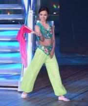 鄧卓殷表演中國舞。(鍾偉茵攝)