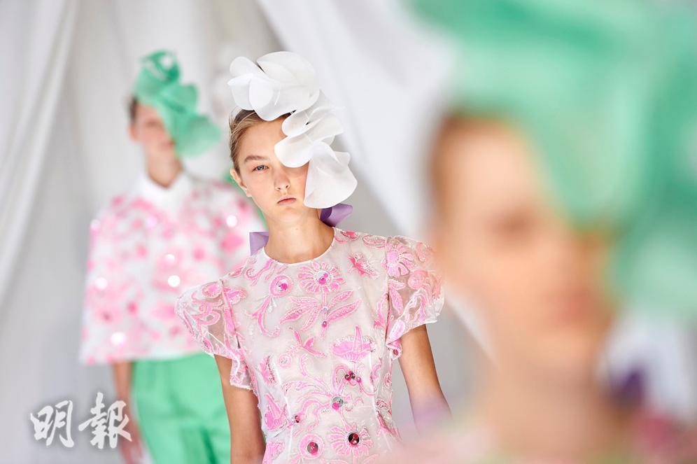 美國第一夫人西班牙王后也愛的品牌!Delpozo 2019春夏粉嫩花裝