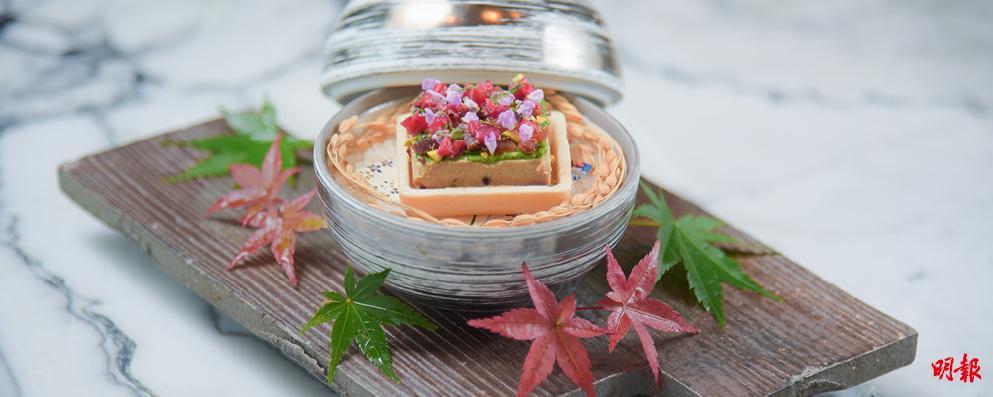 割烹料理達人站台表演 鴨肝威化盒 美如花藝