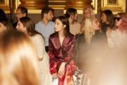 【巴黎時裝周】佘詩曼(中)是Stella McCartney 2019年春夏時裝展的座上客。(圖片由相關機構提供)