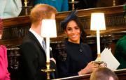 2018年10月12日,薩塞克斯公爵伉儷哈里王子和梅根(右)出席尤金妮亞公主的婚禮。(法新社)