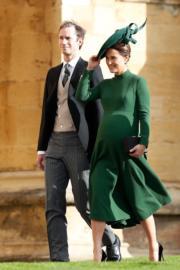 【尤金妮亞公主婚禮】英國劍橋公爵夫人凱特胞妹皮帕(Pippa Middleton)腹大便便赴會。(法新社)