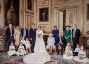 2018年10月14日,英國王室在facebook發布尤金妮亞公主與Jack Brooksbank官方婚照。(The Royal Family facebook圖片)