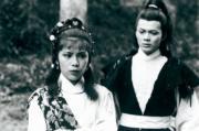 1983年電視劇《射鵰英雄傳》:黃日華(右)演郭靖,翁美玲(左)飾演黃蓉。(資料圖片)