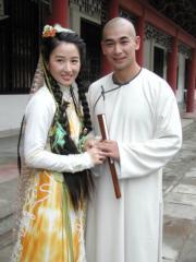 2002劇集《書劍恩仇錄》:關詠荷(左)及趙文卓(右)分別飾演霍青桐、陳家洛。(資料圖片)