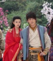 2014年電視劇《神鵰俠侶》分別飾演楊過、小龍女。(劇照)