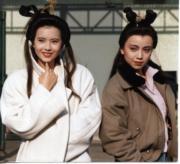 藍潔瑛(左)、鄧萃雯(右)(資料圖片)