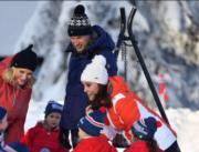 【外訪挪威】英國劍橋公爵威廉王子(後)及夫人凱特(前)(Kensington Royal Twitter)
