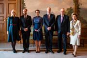 【外訪挪威】左起:挪威王儲哈康伉儷、英國劍橋公爵伉儷及挪威國王伉儷(法新社)