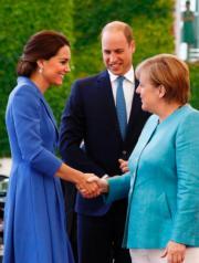 左起:凱特、威廉王子、德國總理默克爾(法新社)