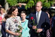 2017年7月18日,英國劍橋公爵伉儷威廉王子 (右) 和凱特 (左) (法新社)