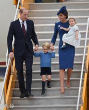 2016年,英國劍橋公爵伉儷威廉王子及凱特一家四口出訪加拿大。(法新社)