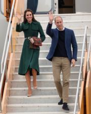 2016年9月27日,威廉與凱特飛抵加拿大白馬市(Whitehorse)。(法新社)