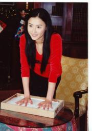 星光大道有栢芝的掌印以表揚她在電影圈的成績。(資料圖片)