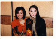 1999年栢芝與容祖兒同獲勁歌的新人金獎。(資料圖片)