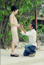 2006年霆鋒與栢芝在菲律賓秘密結婚。(資料圖片)
