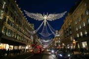 【世界各地迎聖誕】英國倫敦的聖誕裝飾。圖片攝於2018年12月13日。(法新社)