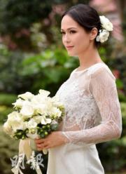【2018最美新娘】貝安琪穿上飾有精緻鏤空細節的婚紗,質感十足。(大會提供圖片)