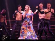 鄭欣宜4月舉行兩場《Break A Leg演唱會》,雖然當時的她腳傷未完全康復,但仍能在台上勁歌熱舞﹗(資料圖片)