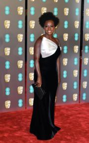 《剋‧寡婦》維奧拉戴維斯穿著Armani Prive出席BAFTA頒獎禮。(Getty Images)