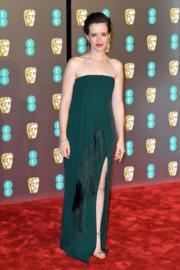 《登月第一人》嘉莉霍爾穿著Oscar de la Renta到場,她也曾在電視劇《王冠》扮演女王,未知她可有跟奧莉菲亞高文交換演技心得。(Getty Images)