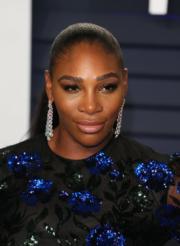 【奧斯卡珠寶】「細威」莎蓮娜威廉絲(Serena Williams)戴上Forevermark by A.S. Motiwala孔雀Ombre美鑽及琺瑯耳環,總重逾8.3卡 。(法新社)