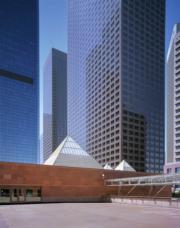 【磯崎新建築作品】美國洛杉磯當代藝術博物館 (1981-1986)(照片由Hisao Suzuk提供/普利茲克建築獎網站圖片)