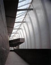 【磯崎新建築作品】西班牙拉科魯尼亞多穆斯博物館 (1993-1995)(照片由Hisao Suzuki提供/普利茲克建築獎網站圖片)