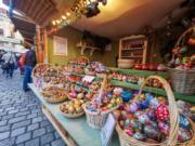 【復活節x復活蛋】奧地利維也納設有傳統復活節市場。(新華社,攝於2019年4月15日)