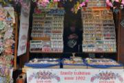 【復活節x復活蛋】捷克布拉格傳統復活節市集售賣彩繪蛋。(法新社,攝於2017年)