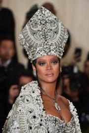 【Met Gala 2018】Rihanna的造型令人驚艷。(法新社)