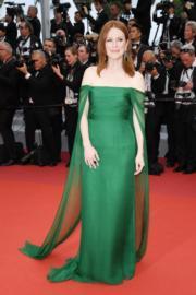 金像影后茱莉安摩亞身穿Christian Dior。