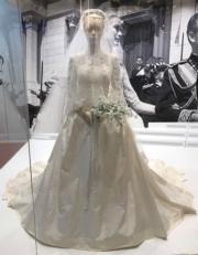 【Grace Kelly展覽@澳門銀河】嘉麗絲姬莉的婚紗複製品(何芍盈攝)