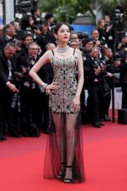 有份演出《真·三國無雙》的內地女星古力娜扎,穿著Alexander Mcqueen現身康城影展。