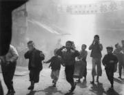 【香港蘇富比「香港影像·兩代觸覺——邱良·李家昇」】邱良《無題》(約攝於1960至1970年代,並於1990年代沖印,銀鹽紙基)(圖片由相關機構提供)