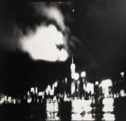 【香港蘇富比「香港影像·兩代觸覺——邱良·李家昇」】李家昇《一九九七年香港某日》(攝於1997年,銀鹽紙基)(圖片由相關機構提供)